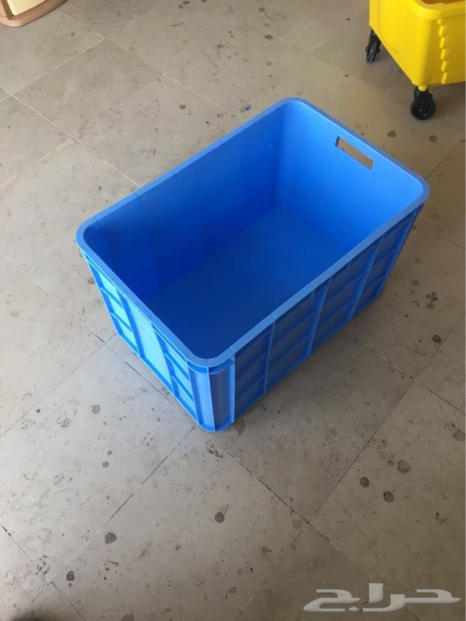 رفوف استاندات علب بلاستيك عربة وسلة تسوق