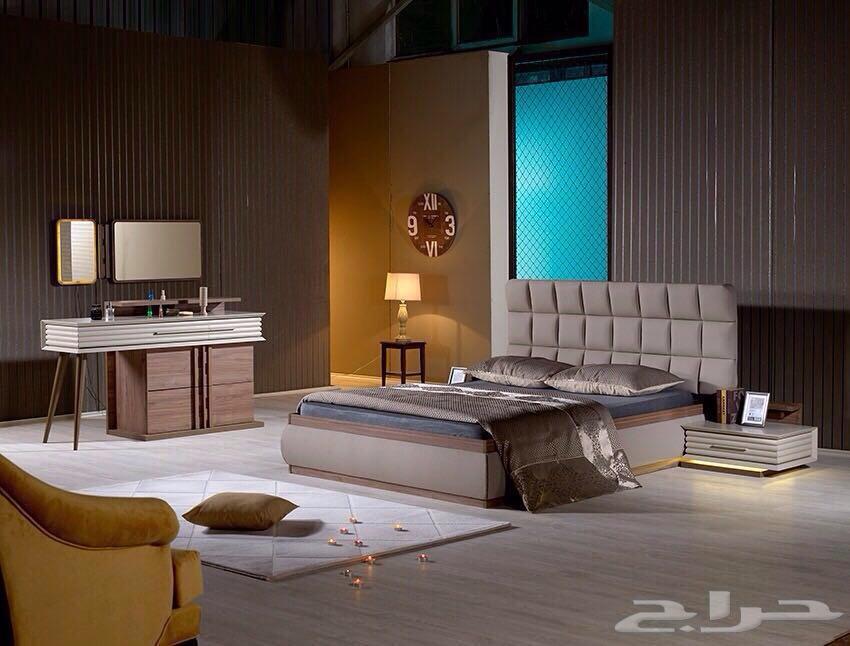 تخفيضات على غرف النوم العصرية