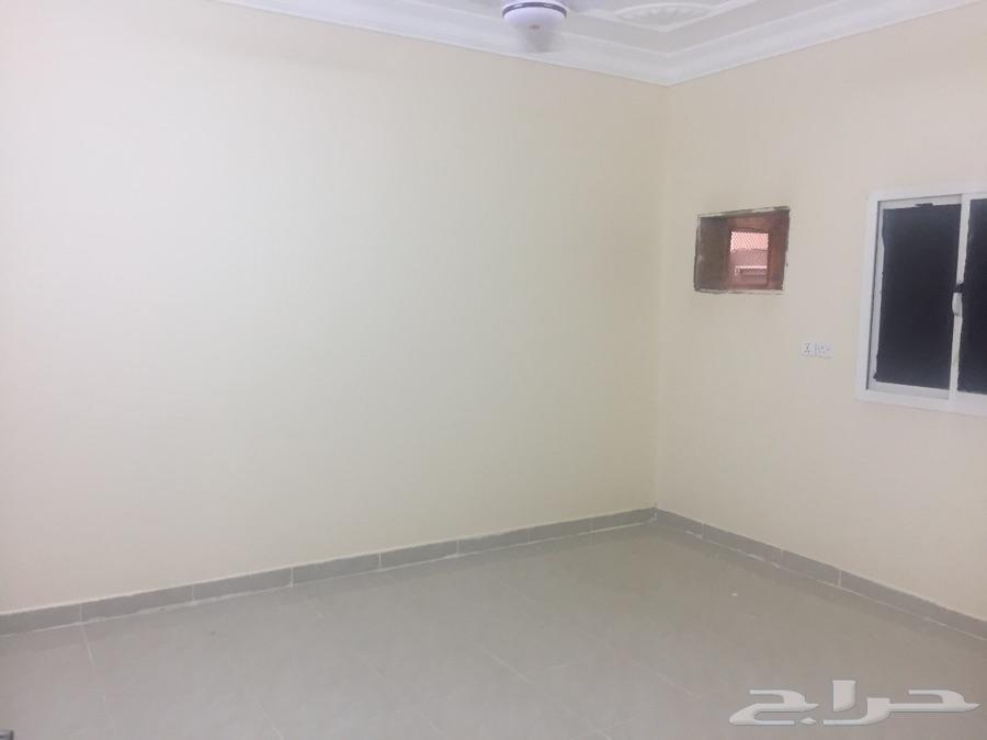 للايجار شقة 3غ بجازان حي السويس (أ)