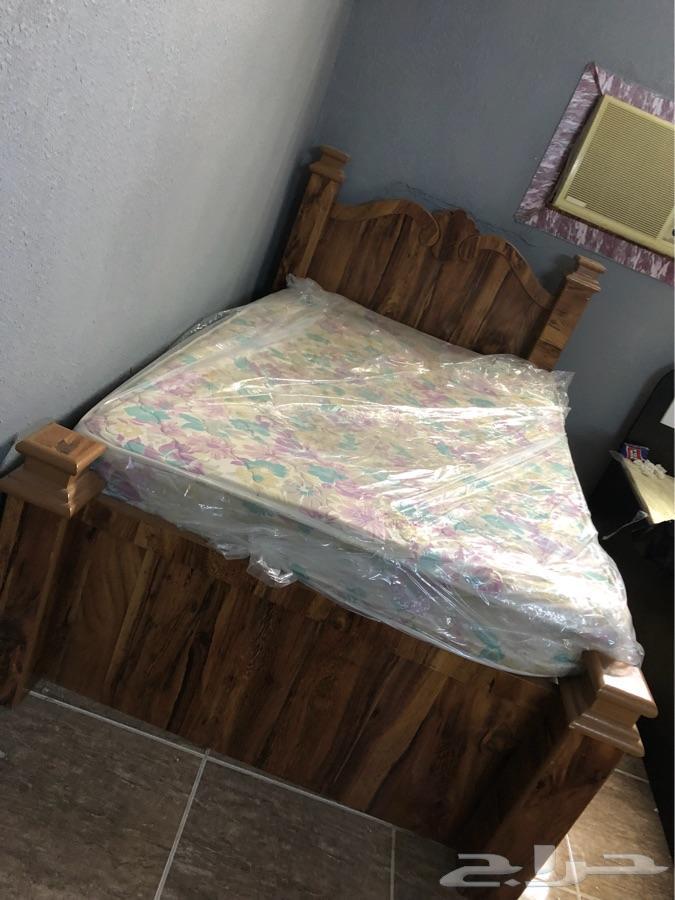 سرير وغرفة نوم ومراتب وتسريحه للبيع بمكه