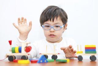 أخصائية تخاطب  وتنمية مهارات وصعوبات تعلم