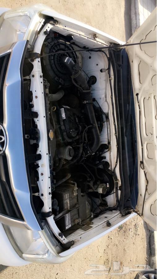 للبيع سياره تويوتا هايلكس موديل 2015 GL