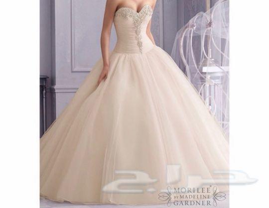 فستان زفاف فاخر للبيع استخدام مرة واحدة