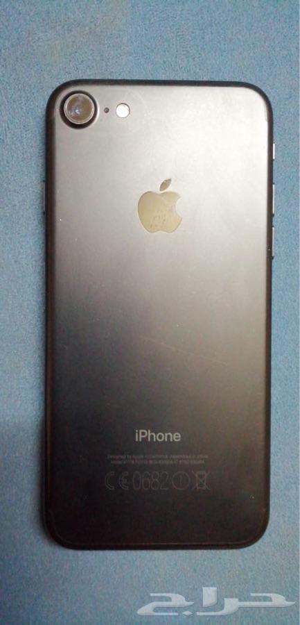 ايفون 7 عادي 128قيقا  rlm اللون اسود مطفي