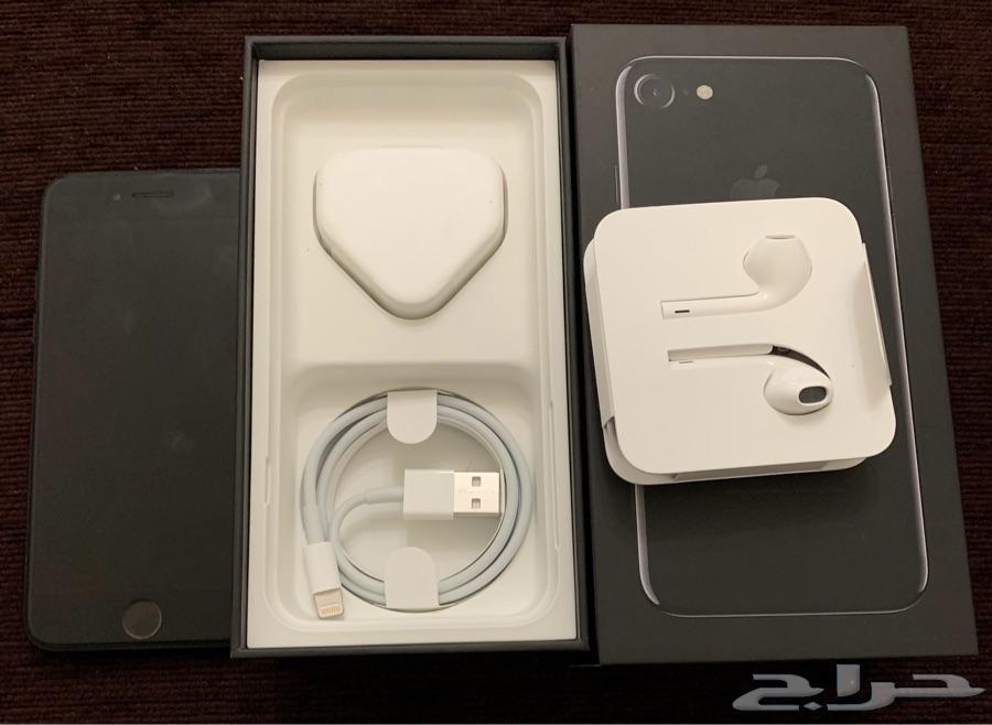 للبيع ايفون 7 عادي اسود لماع 128 قيقا