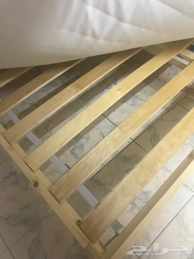الخرج - سرير خشب جديد  من