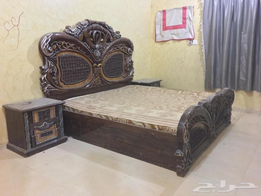غرفة نوم وكنب شبه جديده