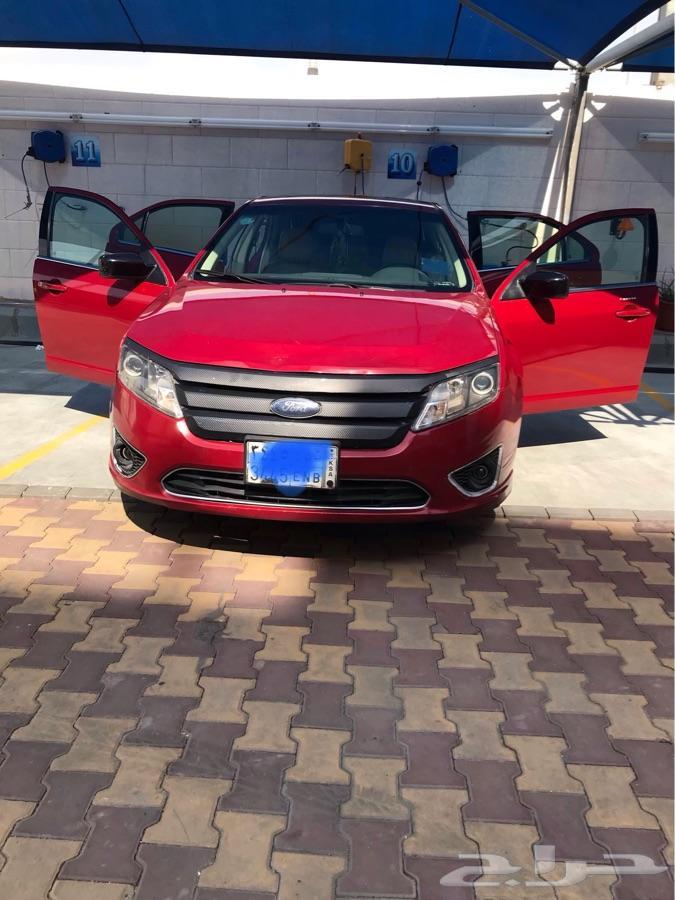 للبيع سيارة فورد فيوجن 2010