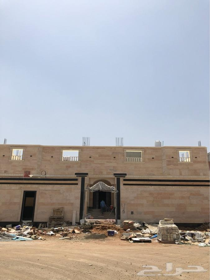 دور للبيع شقتين من خمس غرف بناء شخصي