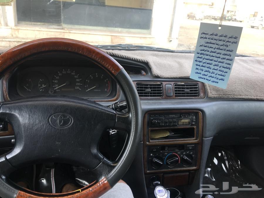 سيارة كامري للبيع