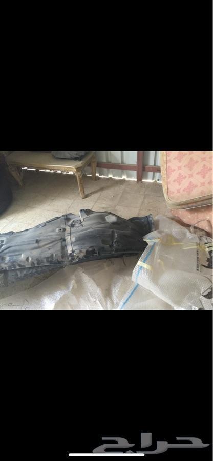 صدام لنيسان باترول مع غطاء المرايات