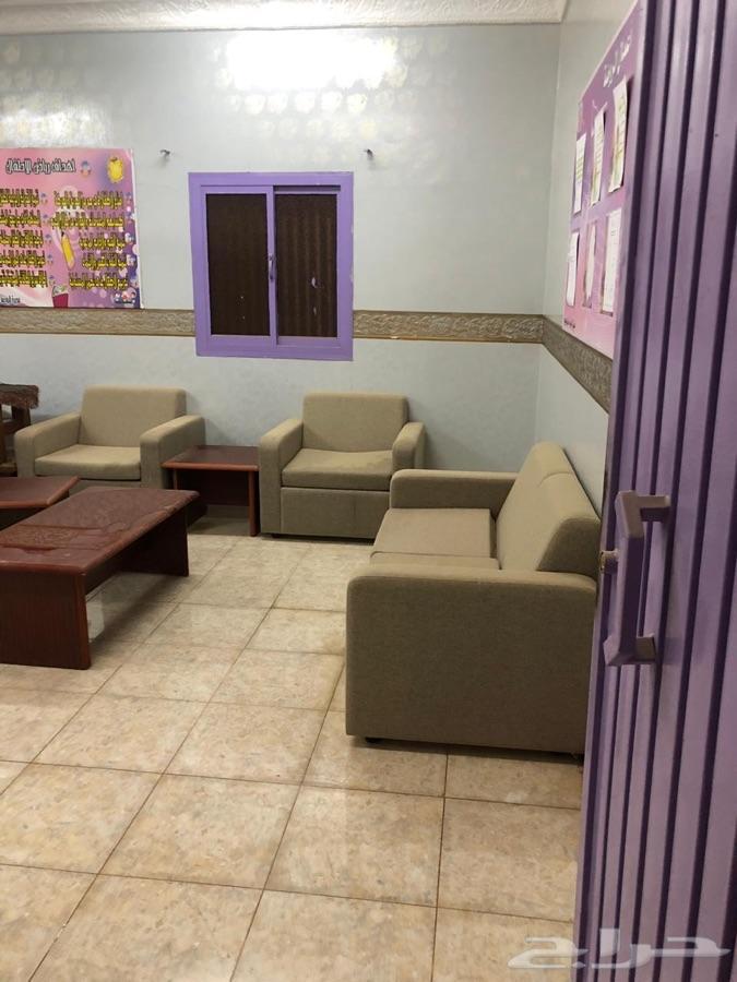 مبنى مدرسه مكون من 21 فصل للإيجار