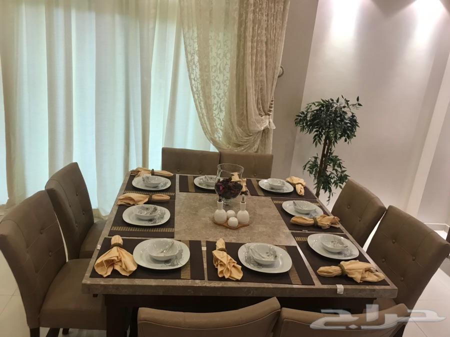طاولة طعام رخام بخشب من 8 كراسي