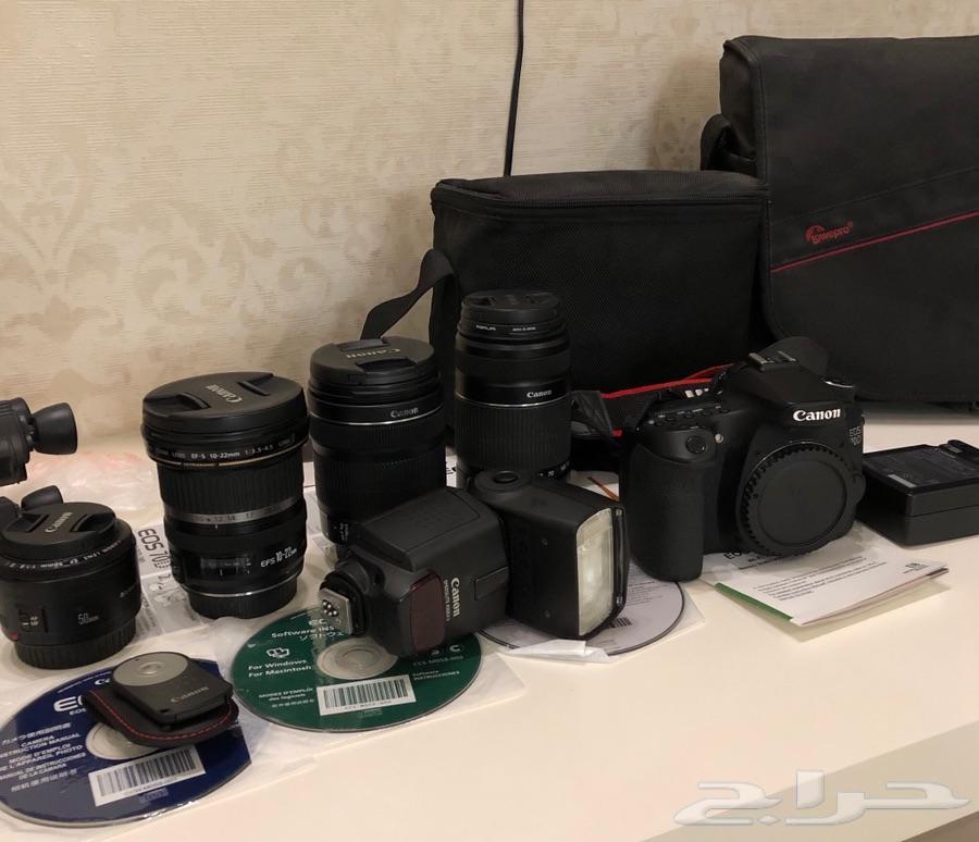 كاميرا كانون 70D مع ملحقاتها