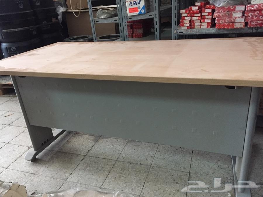 طاولة مكتب شبه جديدة