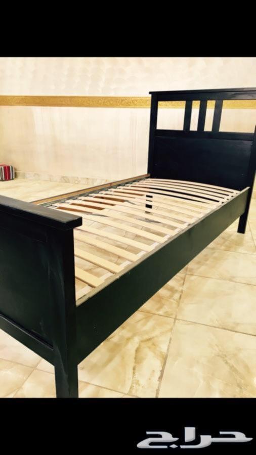 سرير ايكيا للبيع