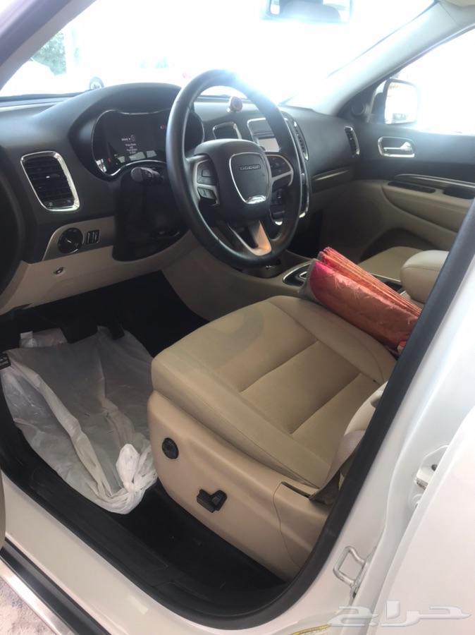 سيارة للبيع نوع درانجو دوج شبه جديدة