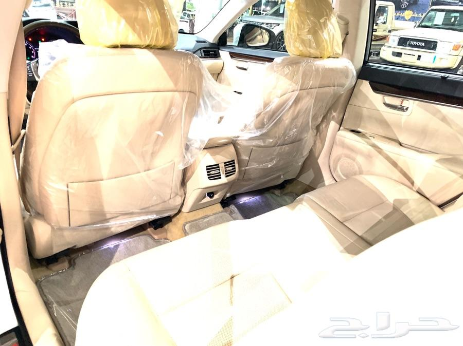 للبيع لكزس ES 350 ممشى قليل V6