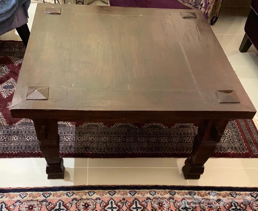 للبيع أثاث - مكتب - صندوق - طاولة