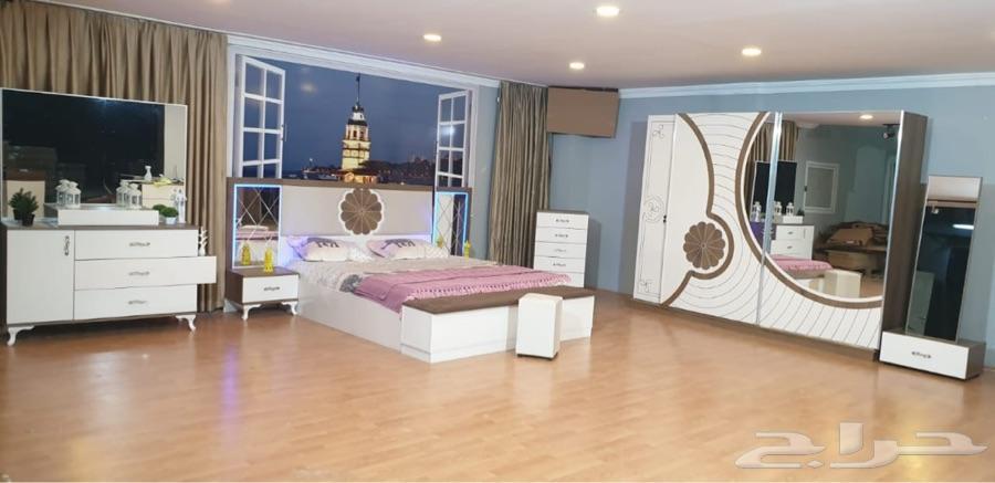 غرف نوم عصرية وراقية تبدأ من 3950 ريال
