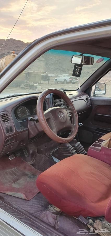 سيارة نيسان للبيع
