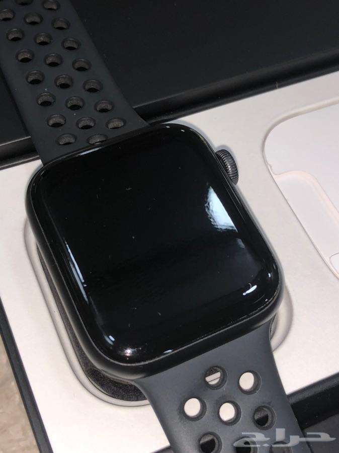 ساعة ابل واتش اصدار 4 مقاس 44 نظيفة جدا