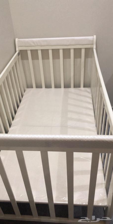 سرير اطفال جلاسه