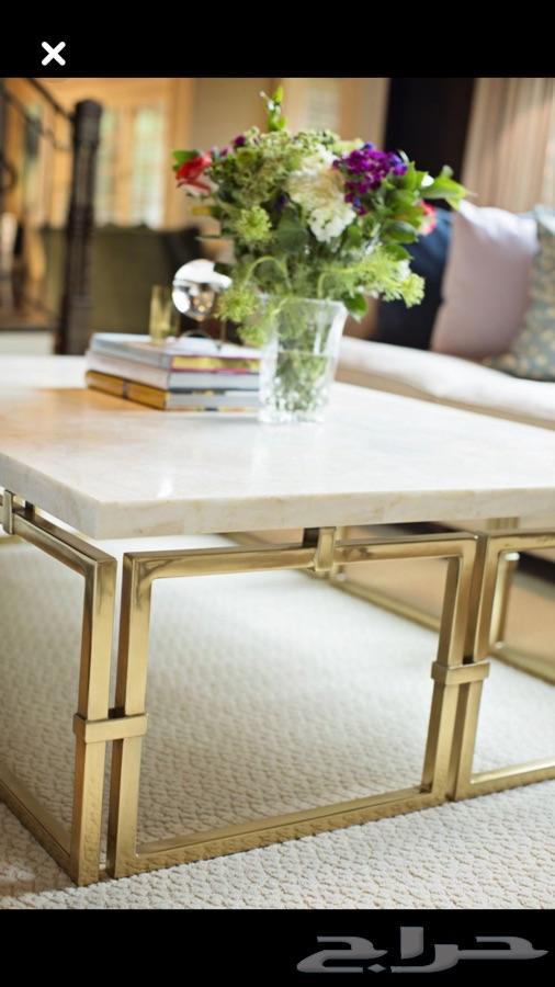 رفوف طاولات اثاث