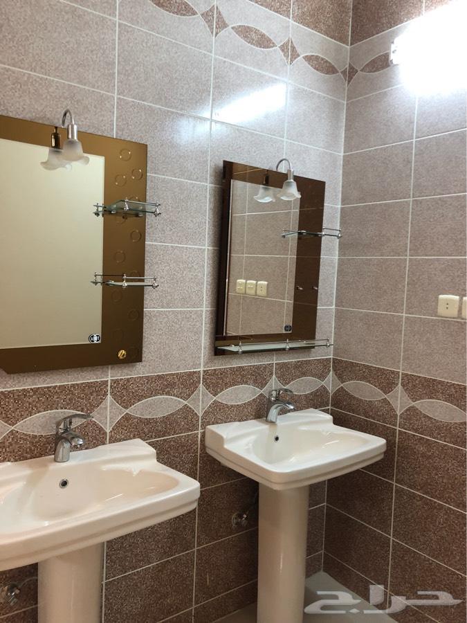 شقة راقية اربع غرف للايجار بالوسام 1