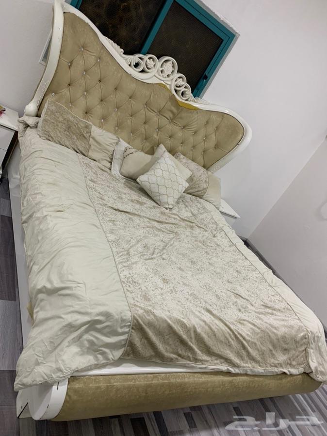 سرير غرفة نوم