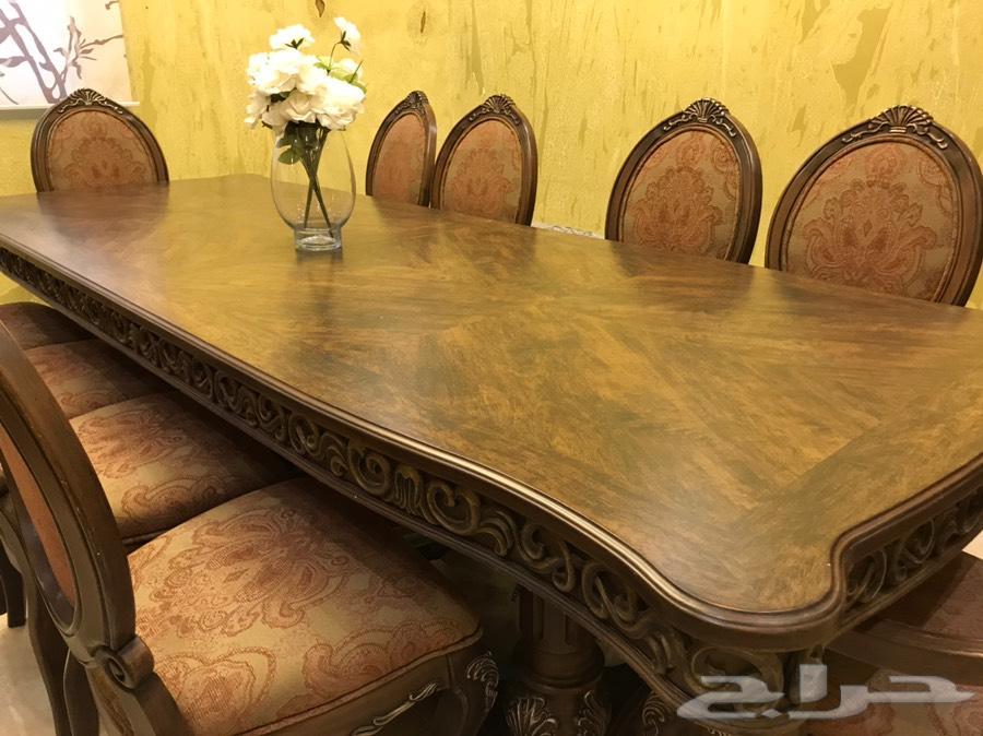 الرياض- طاولة طعام