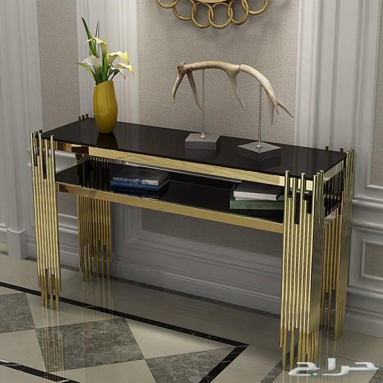طاولة مدخل كونسول ذهبي بسطح زجاج اسود