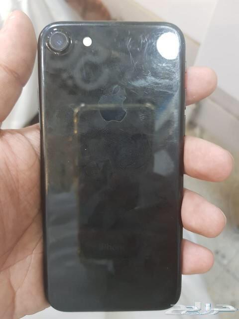 ايفون 7 أسود لماع
