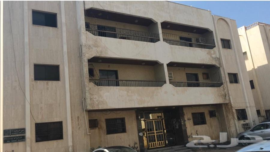 عماره للبيع حي الروضه علي شارعين