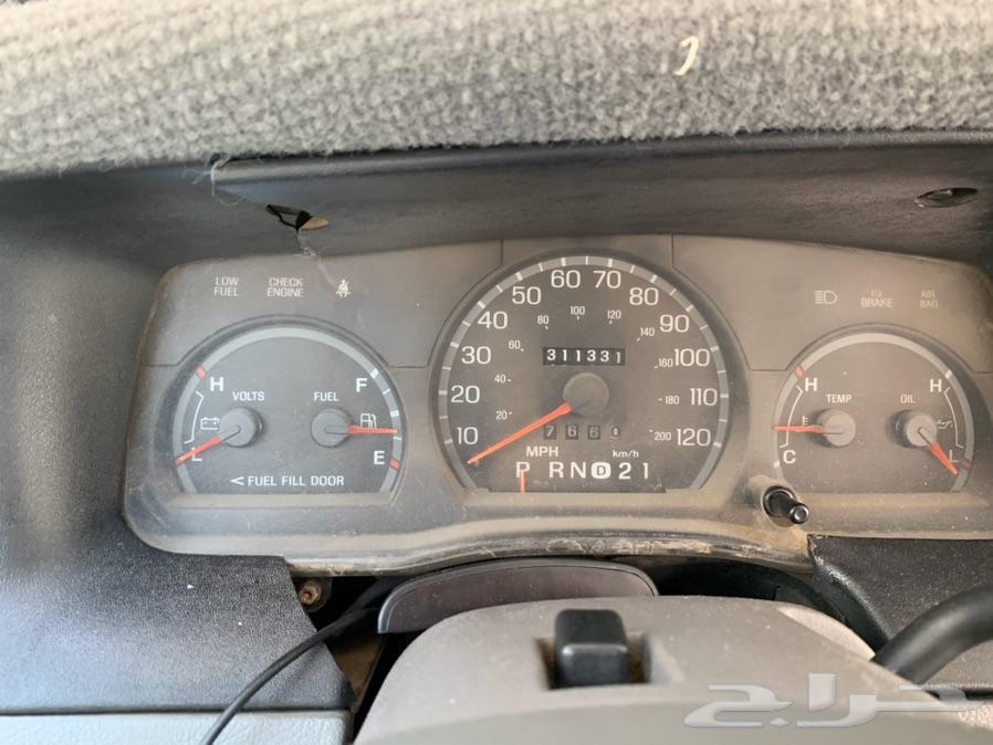 فورد فيكتوريا للبيع 2001