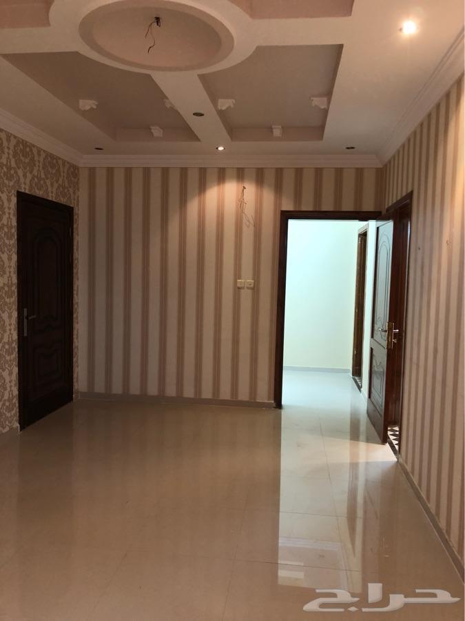 شقة راقية للايجار  اربع غرف بالوسام 1