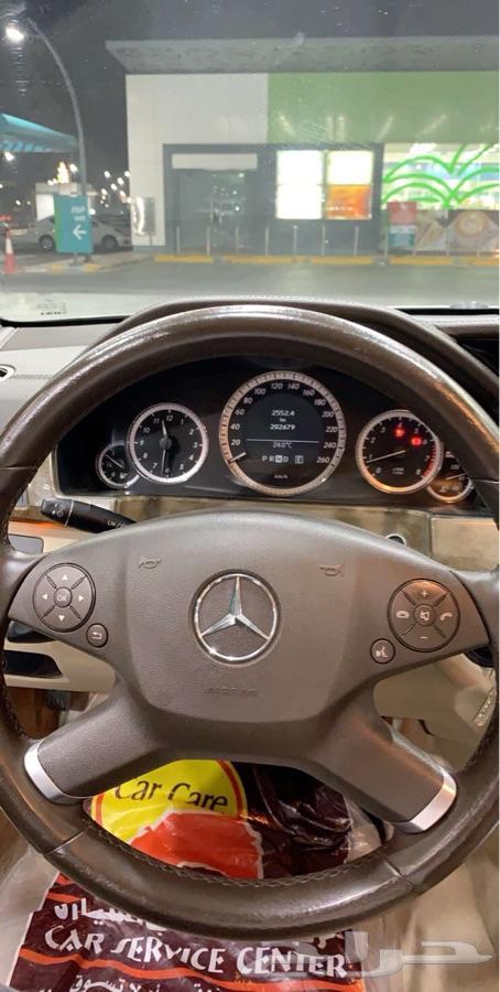 للبيع مرسيدس 2011 E200