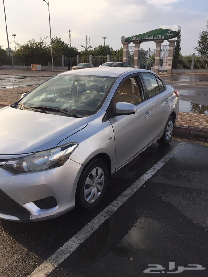 تايوتا يارس 2015 ممشى قليل للبيع.