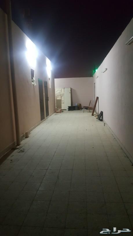 مجمع سكني مكون من شقتين زغرف منفصلة