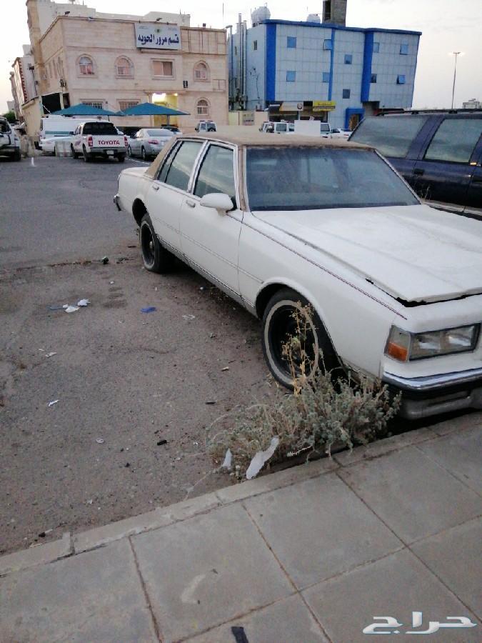 للبيع اكثر من سيارة تفضلو
