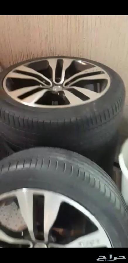 جنوط srt مع كفرات نظيفة