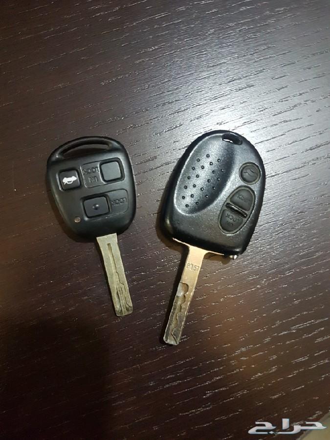 مفتاح لكزس وكابرس  ومسجل كابرس وطفاية يخت
