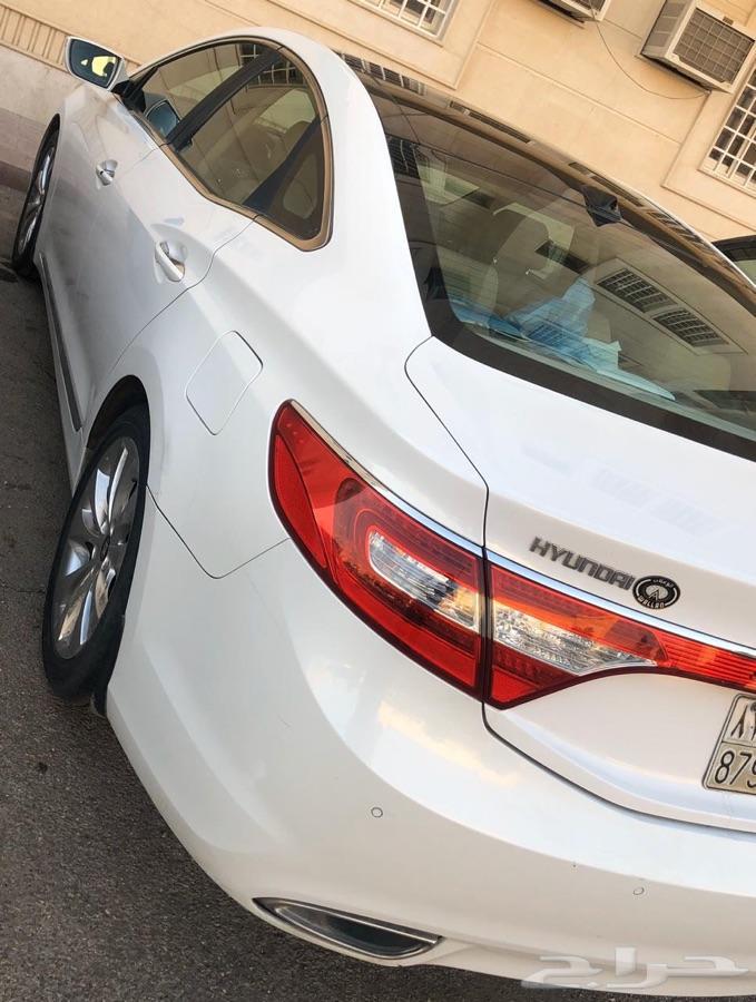 الرياض -   سيارة ازيرا 2012