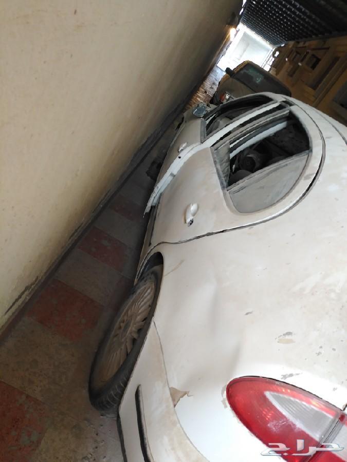سيات ليون 2004 للبيع قطع