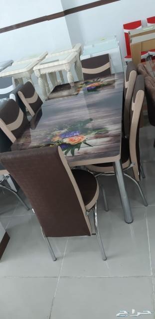 طاولات طعام فخمة بأسعار مخفضة
