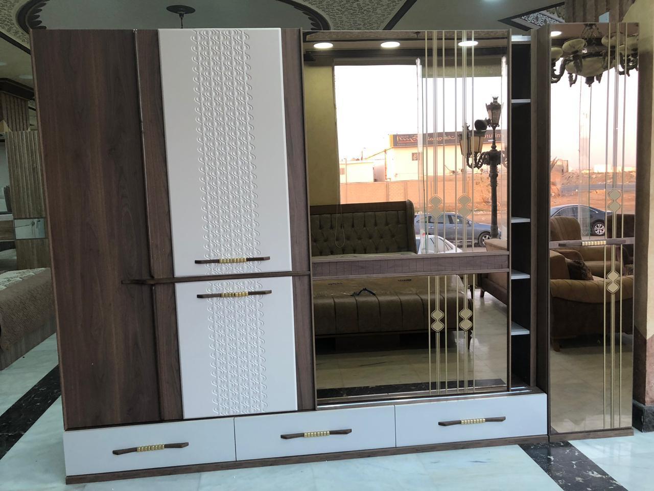 غرف نوم فخمة ارقى موديلات مع أريكة جديد