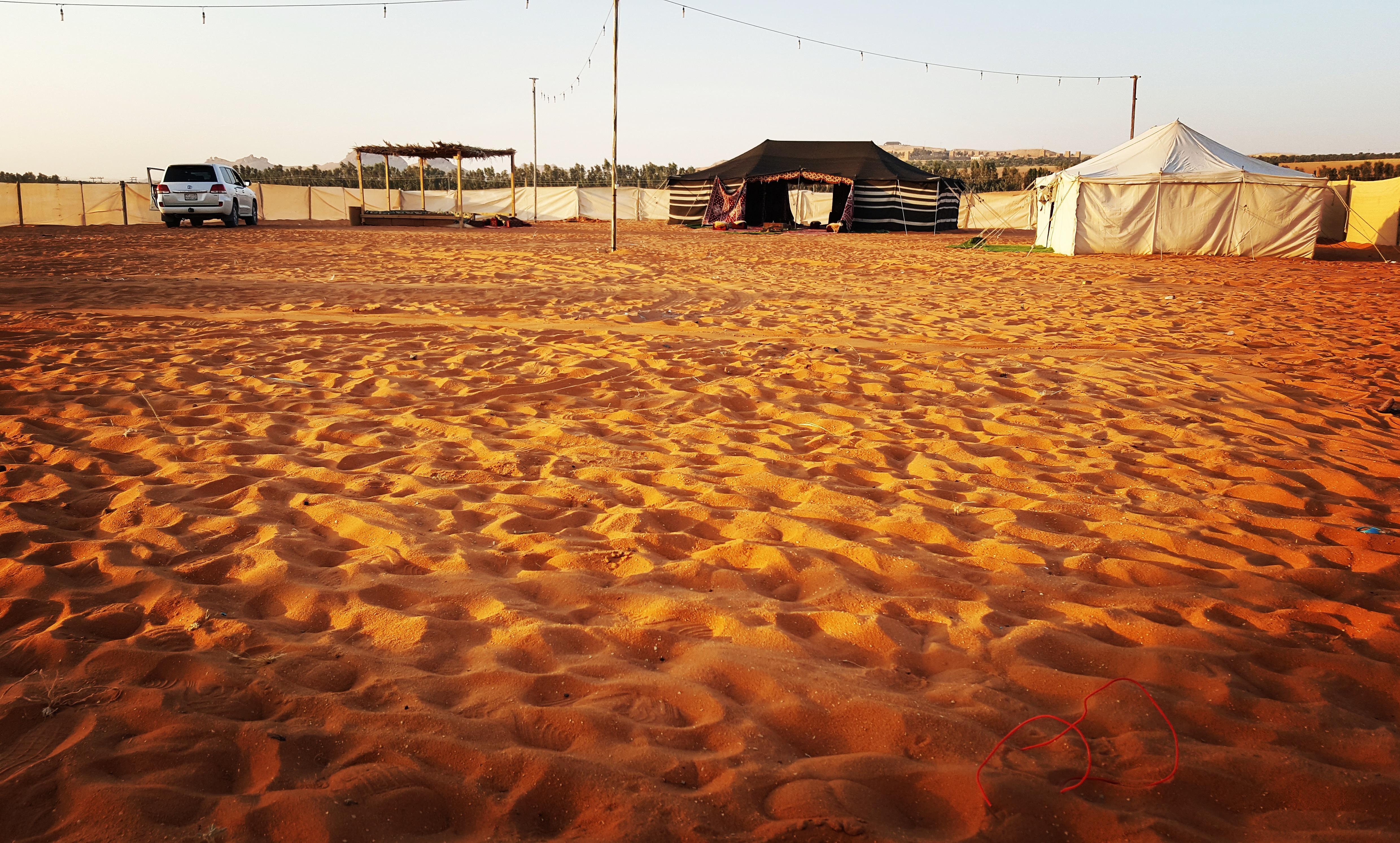 مخيم للإيجار في نفود المزاحمية