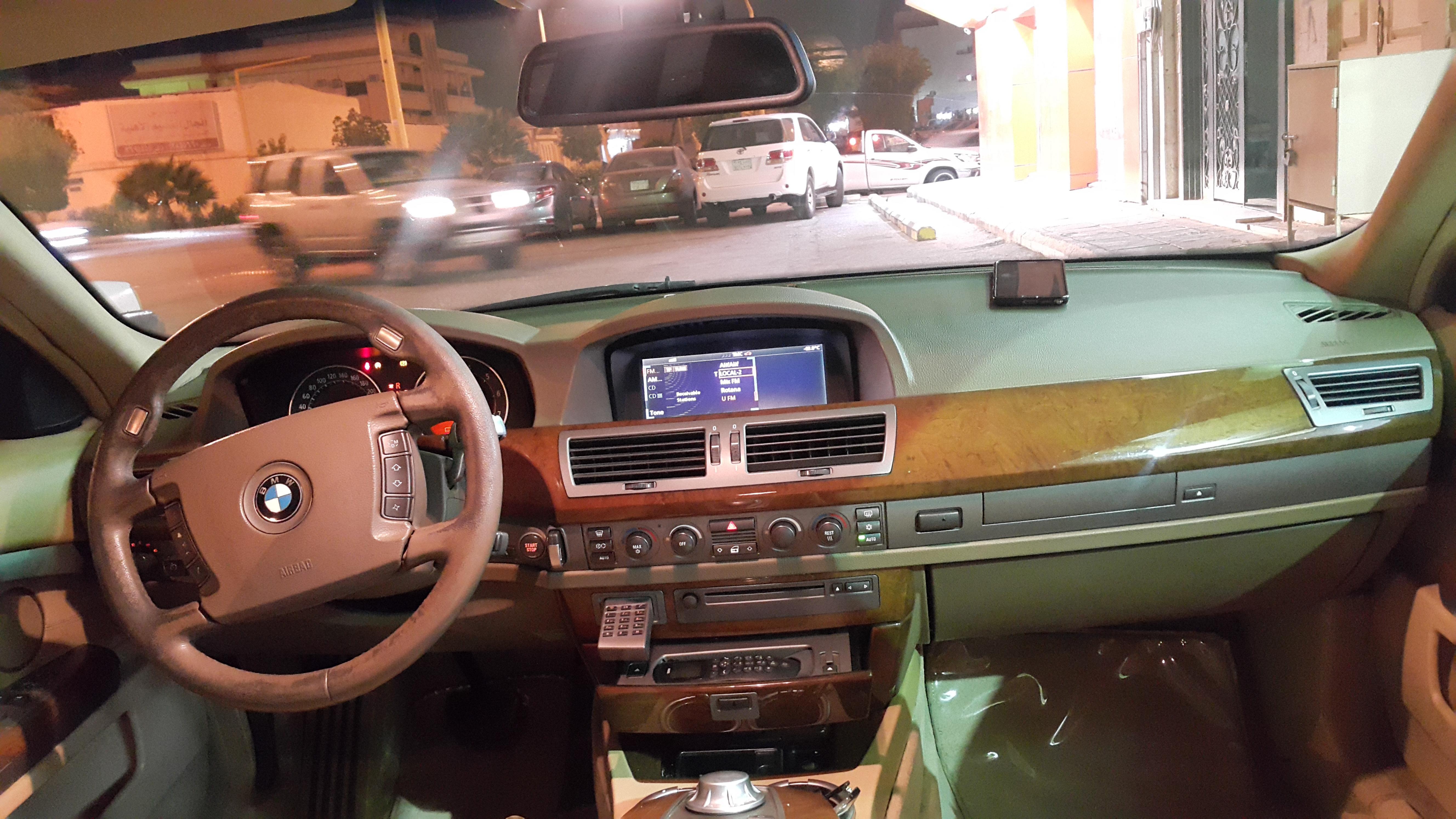 BMW2005 730 اسود