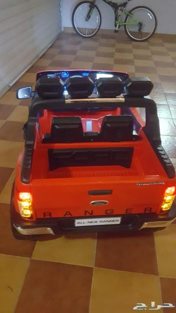 سيارة فورد للأطفال