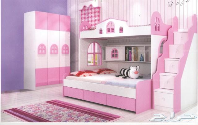 جدة غرف نوم سريرين أطفال